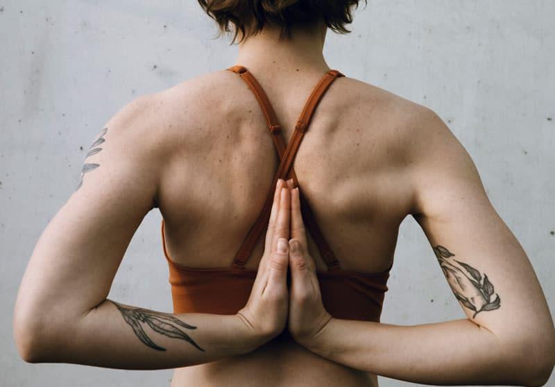 Sådan laver du effektiv yoga hjemmefra